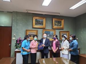 คณะกรรมการอำนวยการสมาคมพยาบาลจิตเวชแห่งประเทศไทยเข้าขอบคุณในการสนับสนุนของผู้ใหญ่ใจดีทุกท่าน
